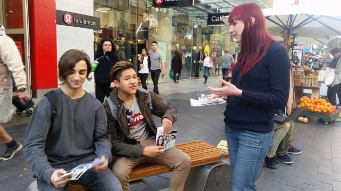 Street Conversations: Communication
